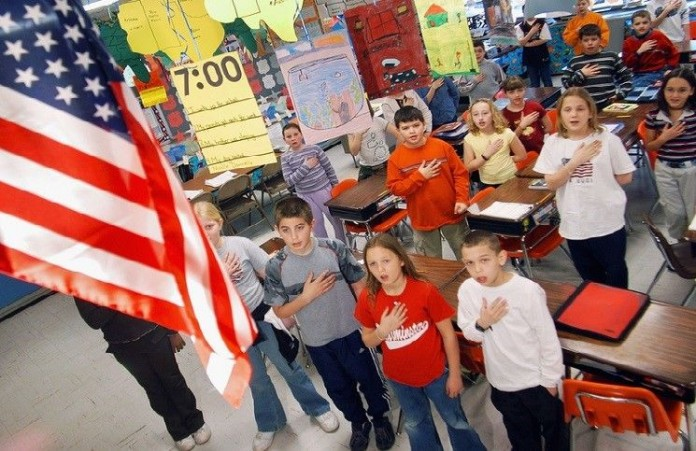 США в школах отстаивают право на молитвы