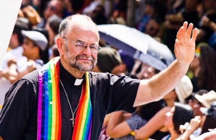 Британия священника – гея избрали в Синод