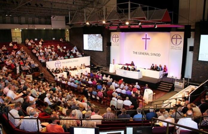 Генеральный Синод Церкви Англии избрал геев в священники