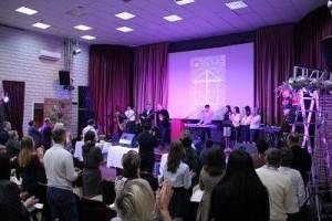 Калининград церковь Истина отпраздновала годовщину2