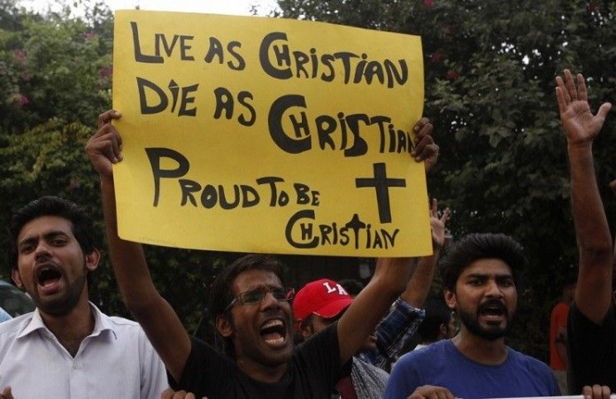 Пакистан Христианин - учитель был избит своими мусульманскими коллегами