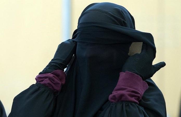 Боевики ИГ убегают из Сирии в женской одежде: главный муфтий России
