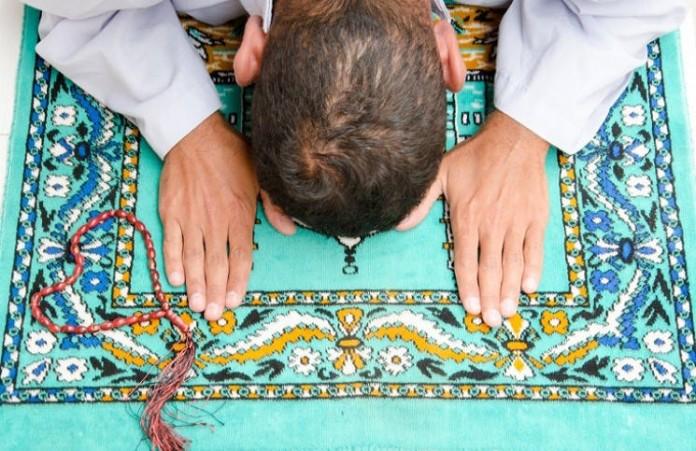 Германия: Мусульмане Ближнего Востока принимают крещение