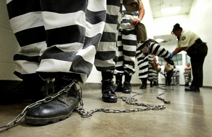 Тюрьмы Англии: Доклад о тотальной исламизации заключенных