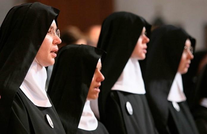 Швейцария: православный монастырь освобождают для беженцев