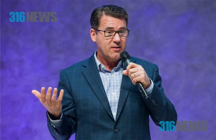 Когда мы не хотим слушать Бога, Он вынужден остановить нас: Роберт Машбах