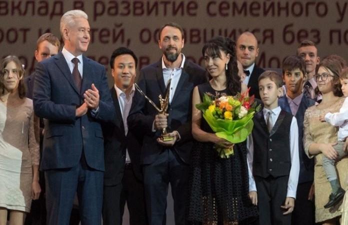 Семья Гореловых удостоилась премии «Крылья аиста»
