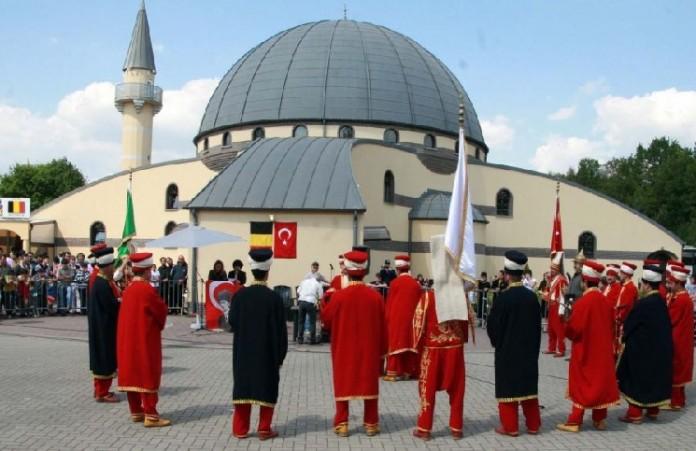 Спасут ли закрытые мечети европейцев от терактов?