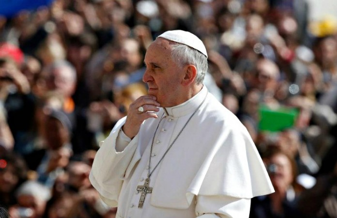 Франция не советует Папе посещать Африку