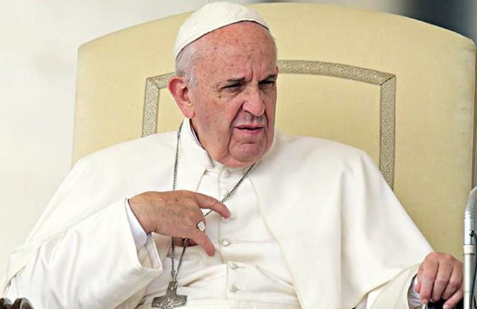 Ватикан: Папа Франциск не допустит к Причастию повторно вступивших в брак