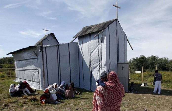 Германия: в церкви устроили приют для беженцев - мусульман и сняли кресты