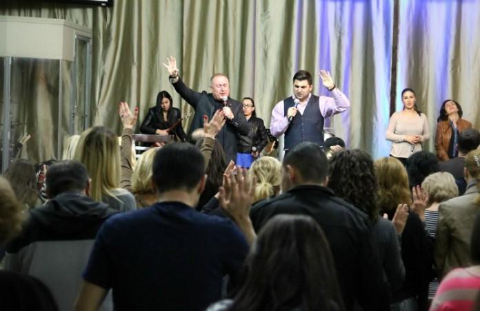 Пастор Артур Симонян провел богослужения в Лос-Анджелесе