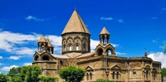 Эчмиадзин собирает подарки для жителей приграничных регионов Армении