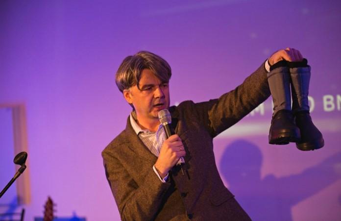 Ассоциация «Еммануил» собрала 9500 гривен на теплую обувь для жителей зоны АТО