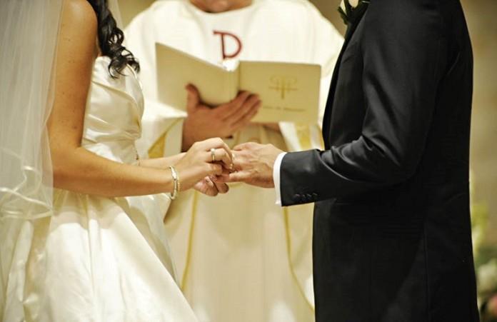 Епископы Уэллса и Англииизменили тексты бракосочетания