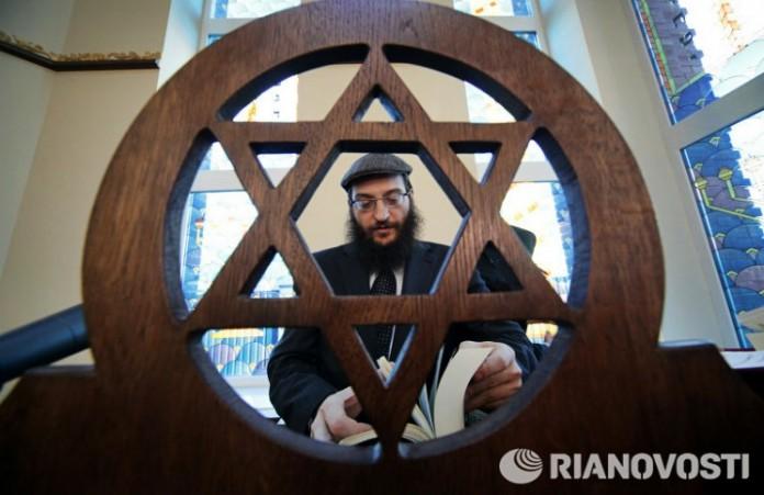 Евреи празднуют Хануку: Свет всегда побеждает тьму