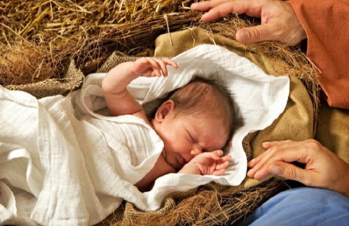 США: Девушка оставила новорожденного в церкви