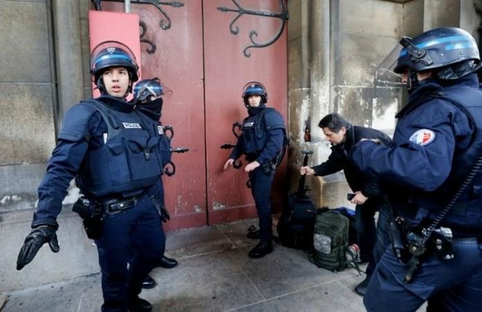 Франция: Около 160 экстремистских мечетей будут закрыты