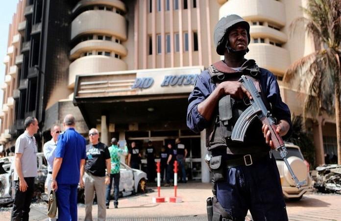 Мы выжили, когда притворялись мертвыми: теракт в Буркина-Фасо