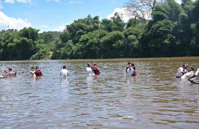 Мадагаскар: 610 человек приняли крещение