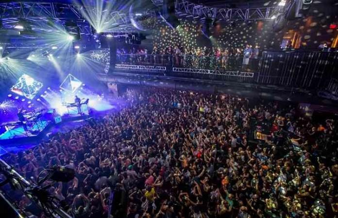 Конференция «Passion» в США: страсть по Богу объединила 40 000 человек