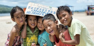 10.000 маленьких филиппинцев полюбили Христа благодаря «Суперкниге»