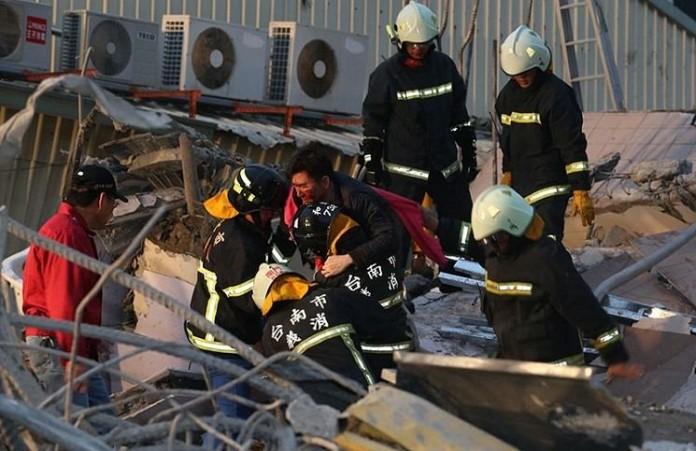 Землетрясение на Тайване: спасатели до сих пор ищут 120 человек