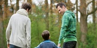 Грязная благодать: родители – геи и их сын пастор