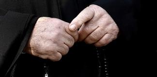 Священник, сравнивший аборты с Холокостом, оправдан