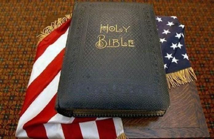 США: Станет ли Библия книгой штата?