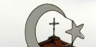 В Турции христианвыгоняютиз церкви