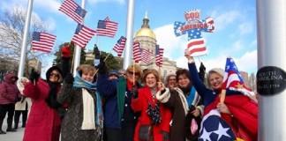 Тысячи американцев вместе с Грэмом молятся за Америку