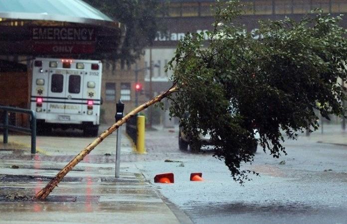 Молитесь запострадавших: наводнения в штатах США