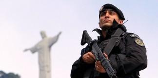 Видео полицейского, хвалящего Бога, посмотрели миллионы