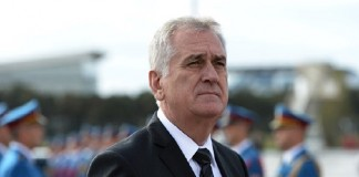 Президент Сербии призвал защитить христиан