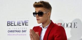Джастин Бибер призвал фанатов не поклоняться ему