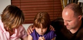 5 главных пунктов в молитве, которым надо научить детей