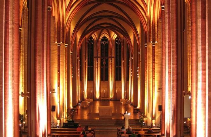 Бремен: церковь «Слово жизни» приглашает на Ночную молитву