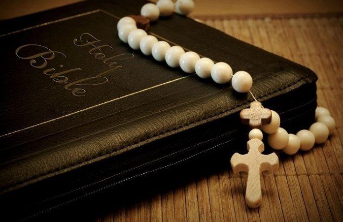 За год Библия переведена на 50 языков