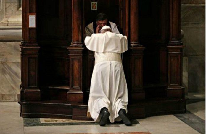 Папа Римский попросил прощения у беженцев