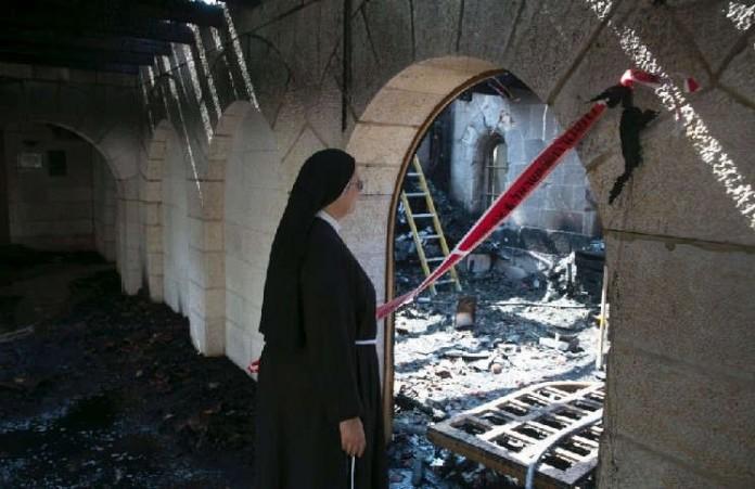 Чили:экстремистыподжигают церкви