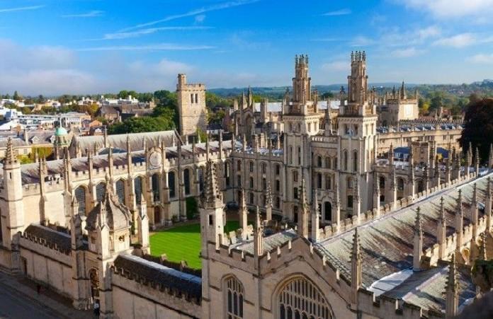 В Оксфорде изучение христианства более не обязательно