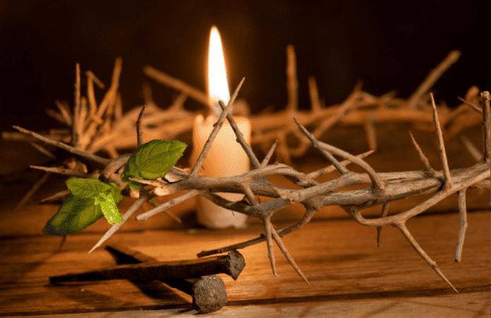 Православные верующие вступают в Страстную неделю