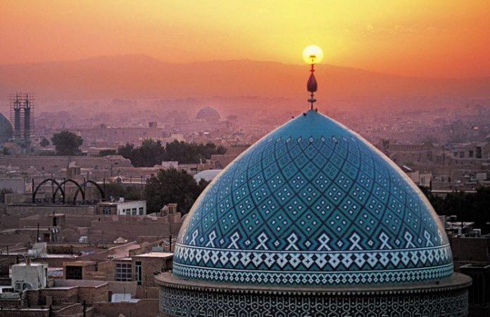 Иранские власти вновь арестовали пастора Юсефа Надархани