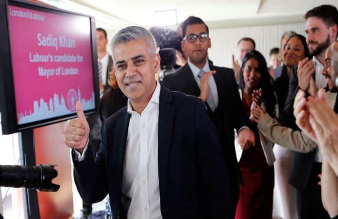 vpervye-merom-londona-stal-musulmanin