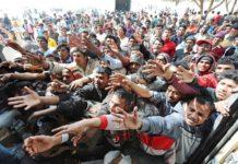 Тысячи беженцев-мусульман в Европе обращаются ко Христу