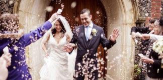 """Церкви Швеции ввели новую услугу экспресс-венчания """"заезжай и женись"""""""
