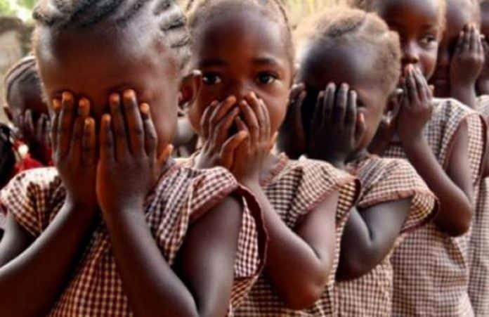 Защитники или предатели? Новые подробности похищения девушек в Нигерии