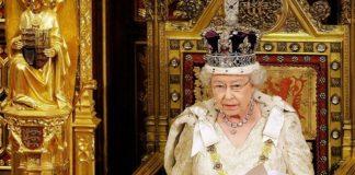 Королева Англии публично заявляет о своей вере