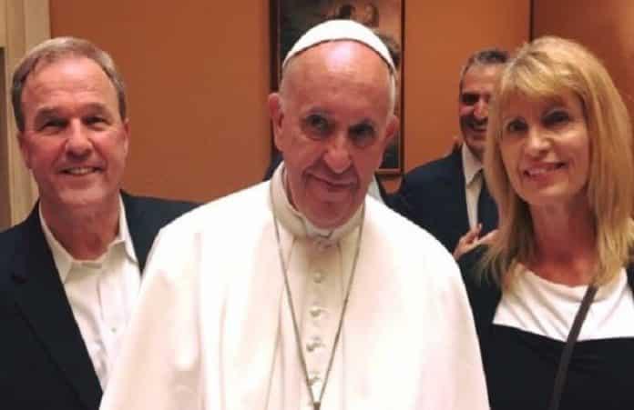 Майк Бикл встретился с Папой Римским для разговора об Иисусе